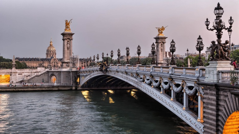 Pont Alexandre III by Joe deSousa