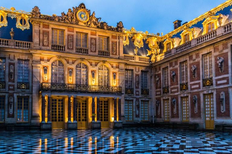 Versailles by Ninara