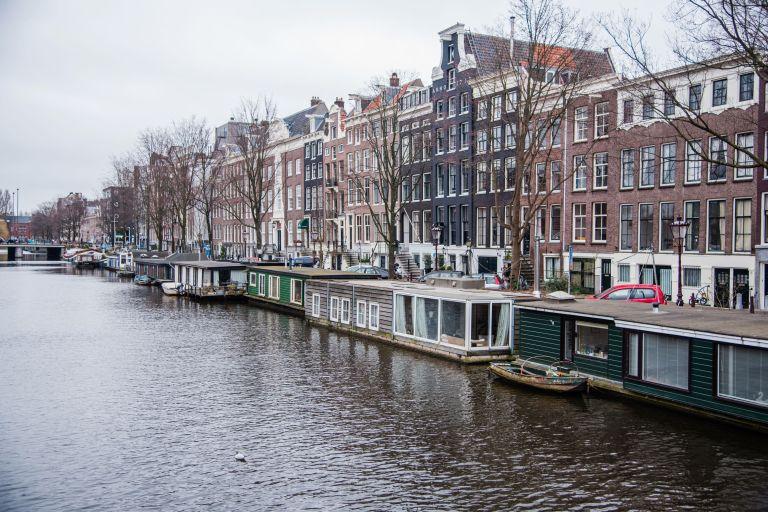 Amsterdam - Houseboats angle
