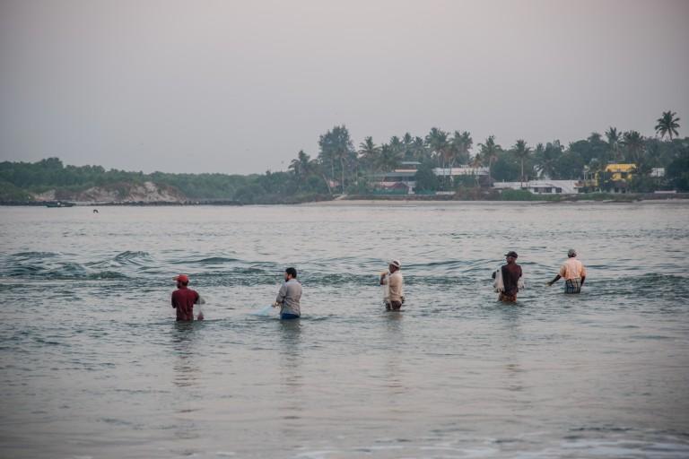 fishermen-lined-up